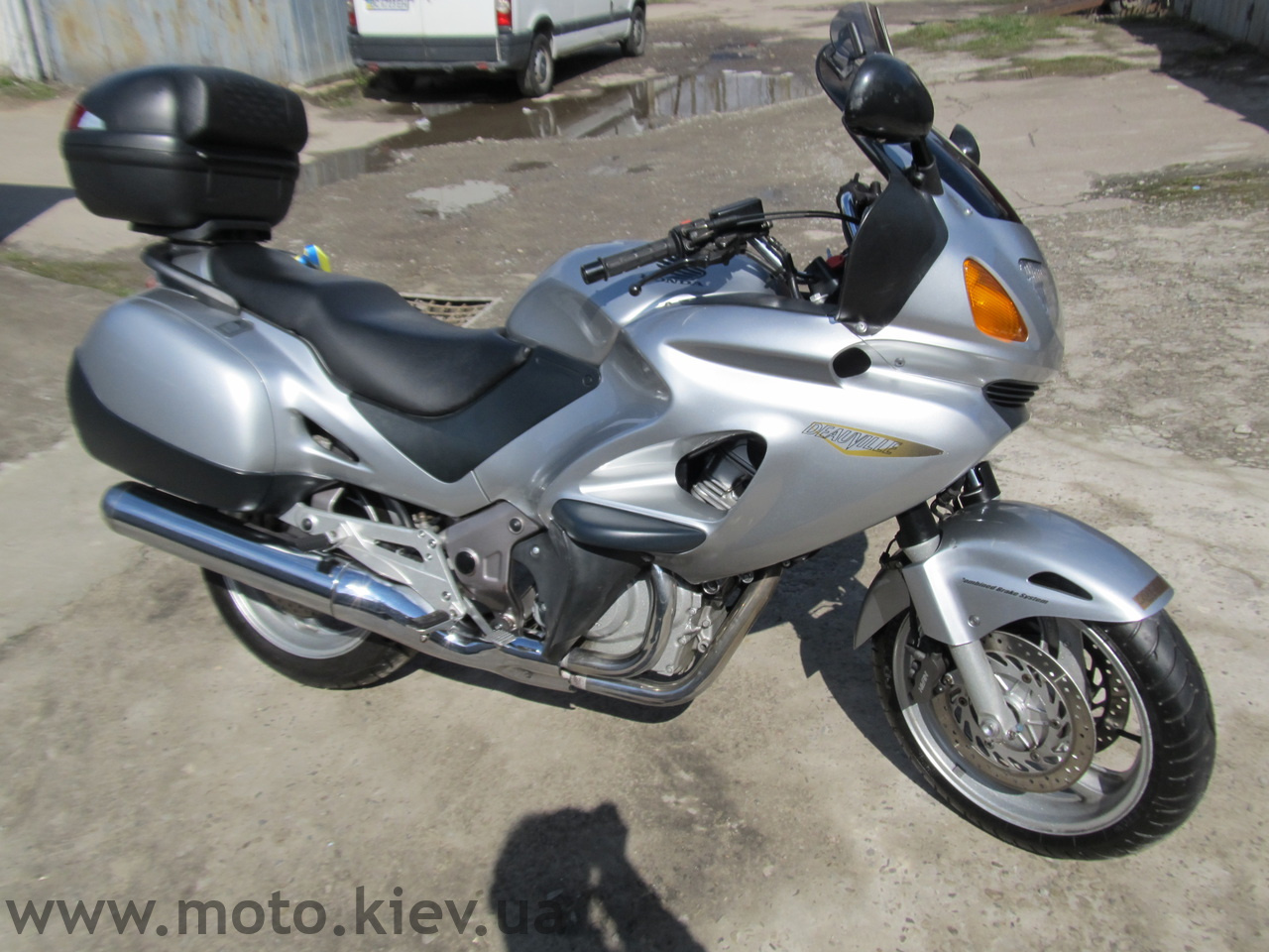 SUBJ: Мотоцикл  Honda Deauville 650  3900 USD Торг
